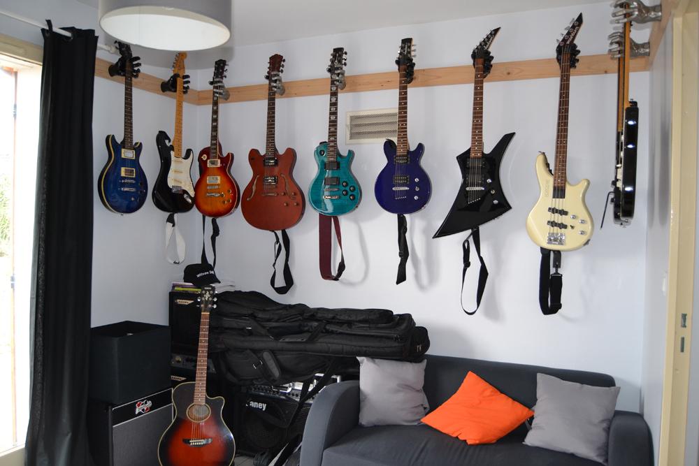 http://downbylaw.free.fr/guitariste/DSC_0343.jpg